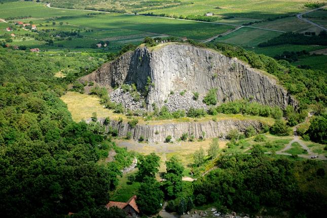 tanuhegyek-a-hegyestu-geologiai-bemutatohely