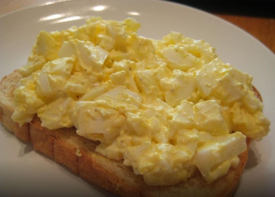 Egy könnyű tojáskrém - pirítóssal nagyon finom!