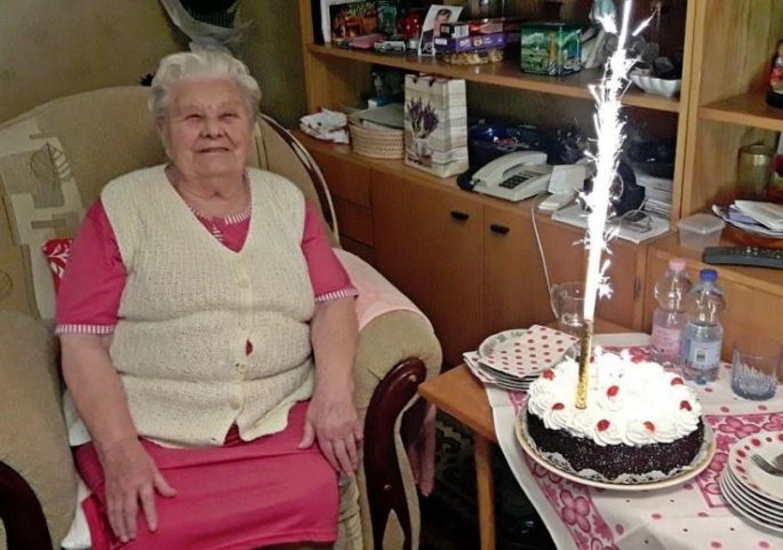 103 éves, és napi négy kávét iszik  - a debreceni Rózsika néni nem panaszkodik