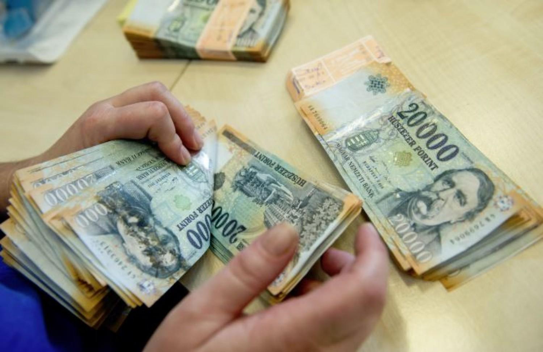 Ennyi magyar nyugdíjas kap havonta kétmilliónál is többet