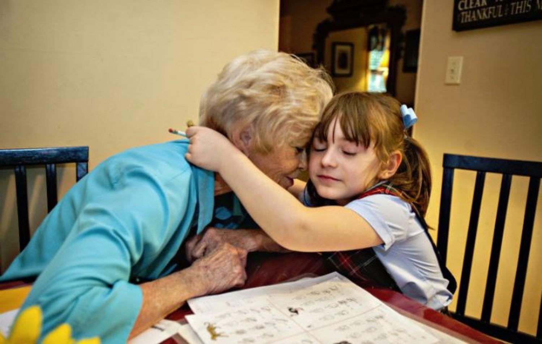 Jó-e egy kisgyereknek, ha sokat van a nagyszülőkkel