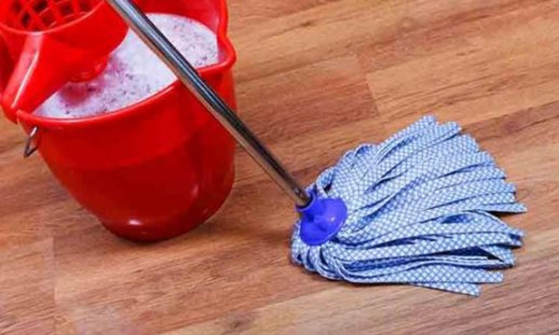 Ezért szokj rá, hogy szódabikarbónás vízzel mosod fel a padlót