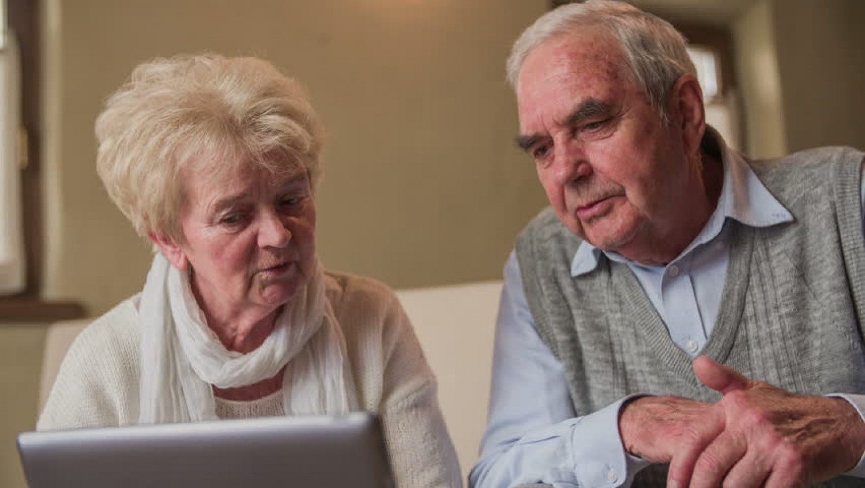 Felmérték mekkora nyugdíjból lehet megélni