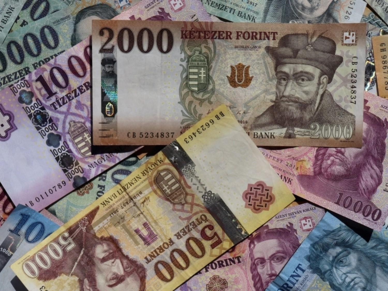 Sok ezer nyugdíjast érint: 400 millió forint értékben ragadhattak bent utalványok