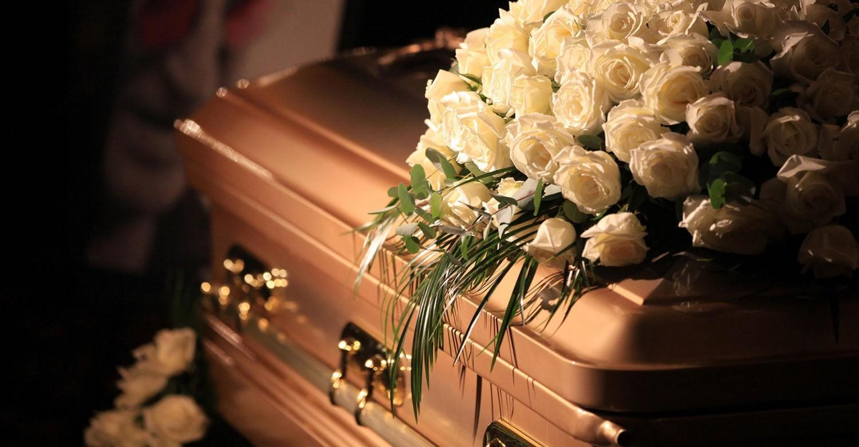 Ennyibe kerül a magyar temetés - tételes lista, harangozástól a luxusmerciig