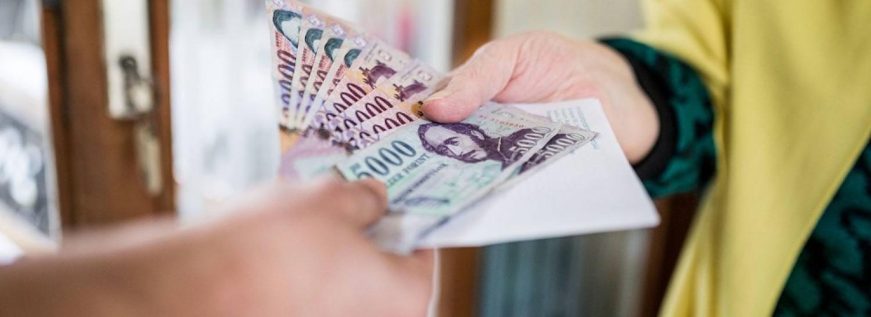 Fontos nap jön a nyugdíjasoknak: küldik a pluszpénzt – részletek