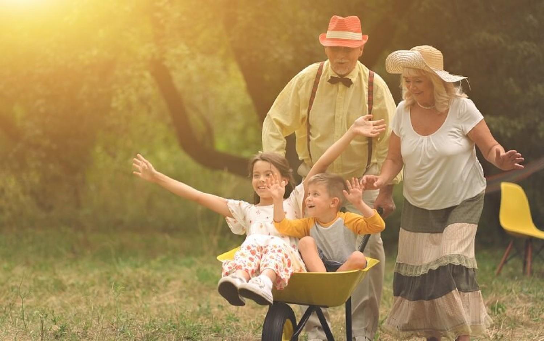 Öt ok, amiért a gyerekeknek nem lenne szabad nagyszülők nélkül felnőni
