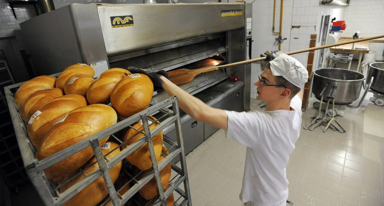 Ez már biztos: ennyivel drágul a kenyér
