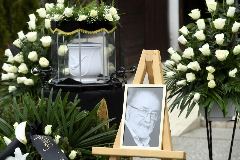 Szívszorító pillanatok Andorai Péter temetésén