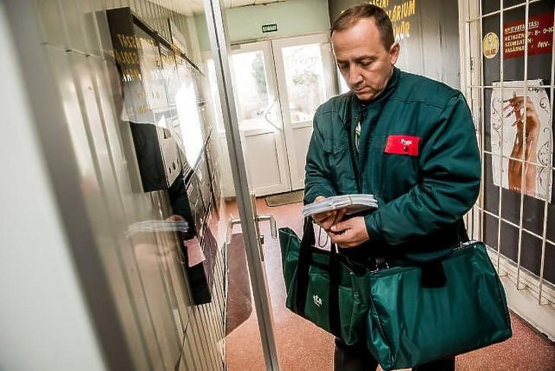 Változásokat jelentett be a Magyar Posta - érinti a nyugdíjasokat!