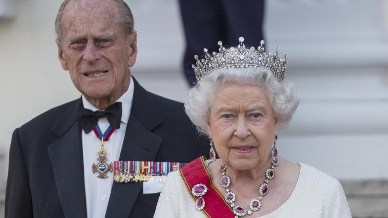 Gyászról és szenvedésről beszél II. Erzsébet