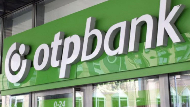 Várható volt: megrohamozták az ügyfelek a bankokat
