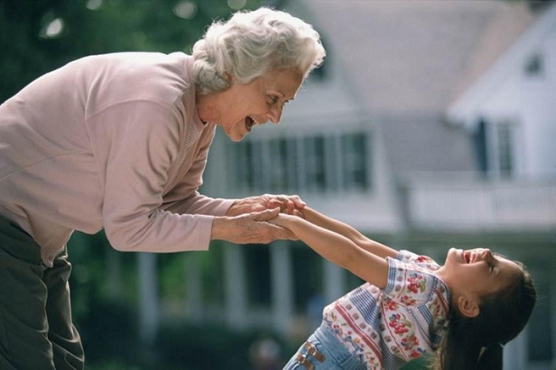 Ezt öröklik a gyerekek az anyai nagymamától