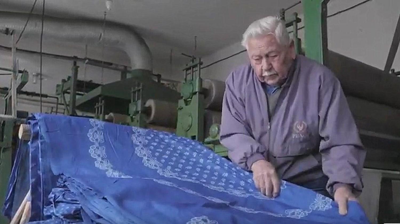 Kossuth-díjat kapott a 90 éves tiszakécskei kékfestő mester