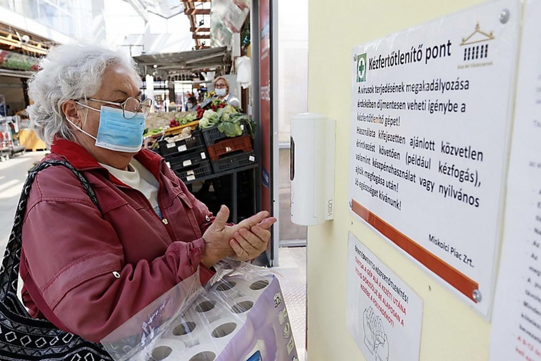 Növeli a feszültséget a nyugdíjasoknak fenntartott idősáv