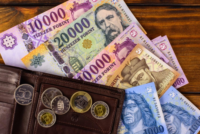 Ajándék covid-teszt és 13. havi nyugdíj jóváírás - akcióznak a nyugdíjbiztosítók