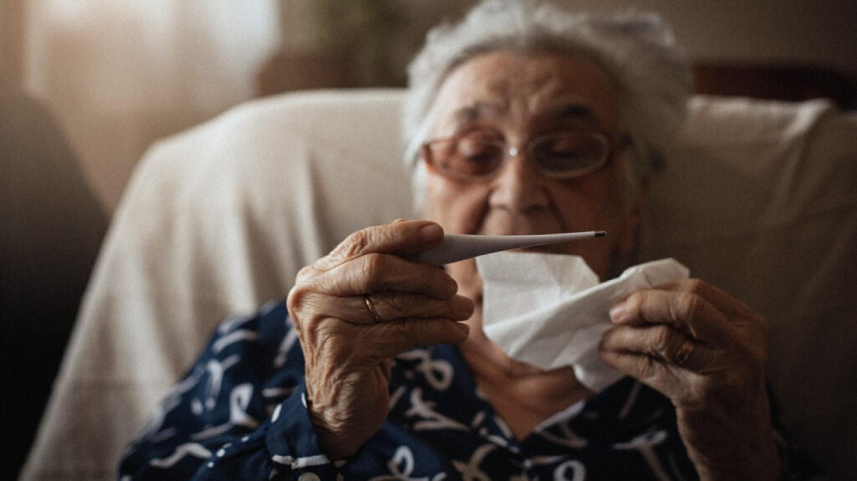Kinél és miért tarthat sokáig a koronavírus fertőzés?