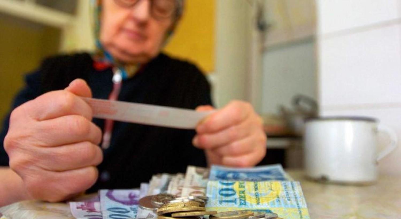 A nyugdíjasok ultimátumot adtak a kormánynak a 13. havi nyugdíj összegéről