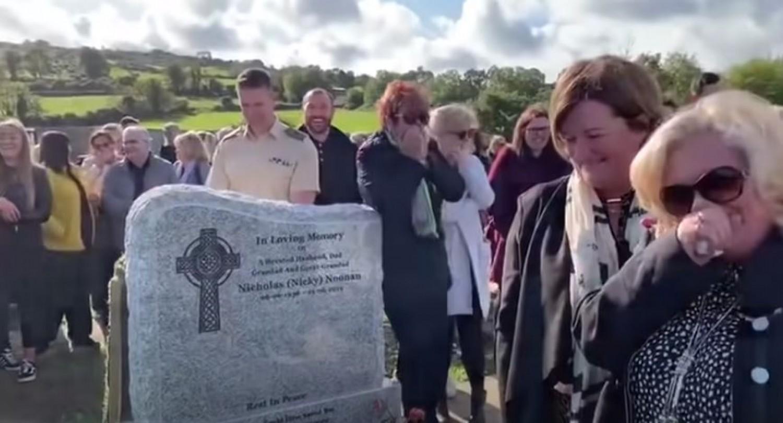 A legbizarabb temetési szertartás, ahol végül mindenki nevetett