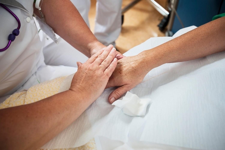 Az orvos tanácsa: fő szabályok a covidos betegek otthoni ápolásánál (videó)