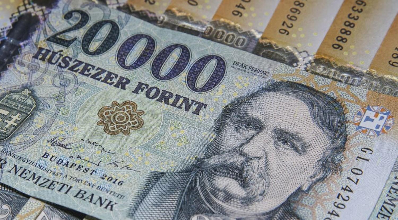 HIVATALOS: ennyivel emelkedik a nyugdíj 2022-ben