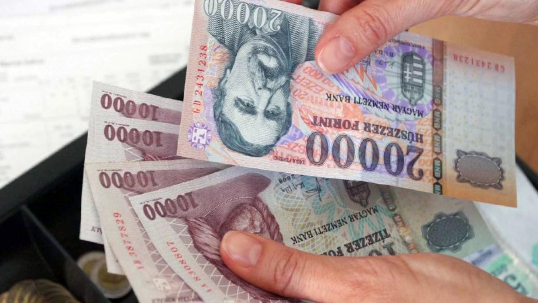 Akár 100 ezer forint plusz pénzt is kaphatnak a nyugdíjasok idén ősszel