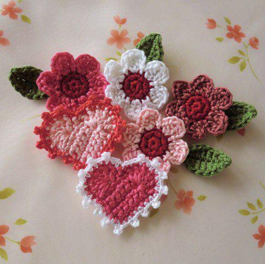 Horgolt virágcsodák - Tanítsd meg az unokádnak is!
