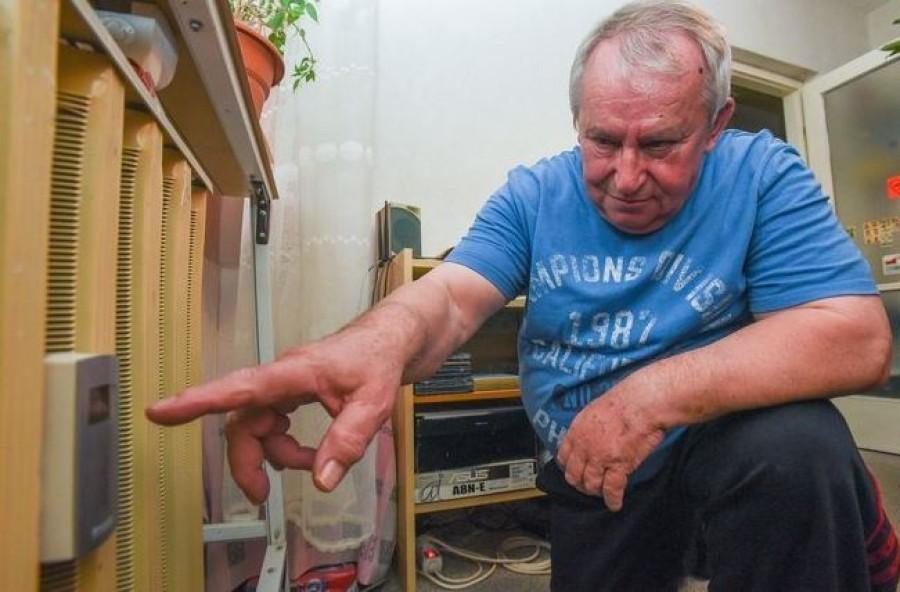 Egy nyugdíjas gépész bizonyítani tudja: fűtetlen lakásban is fogyasztást jelez a hőmennyiségmérő!