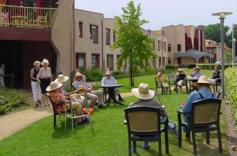 Íme, a falu, ahol szeretettel segítik a beteg időseket